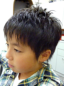 軽やかな男の子フォワードヘア>ヘアーカタログ(髪型カタログ